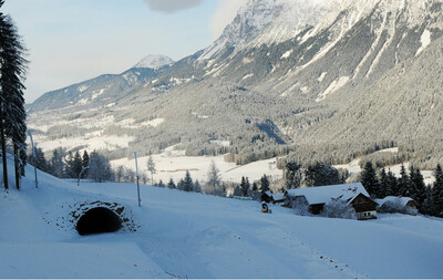 FIS Tunnel inklusive Skirotue